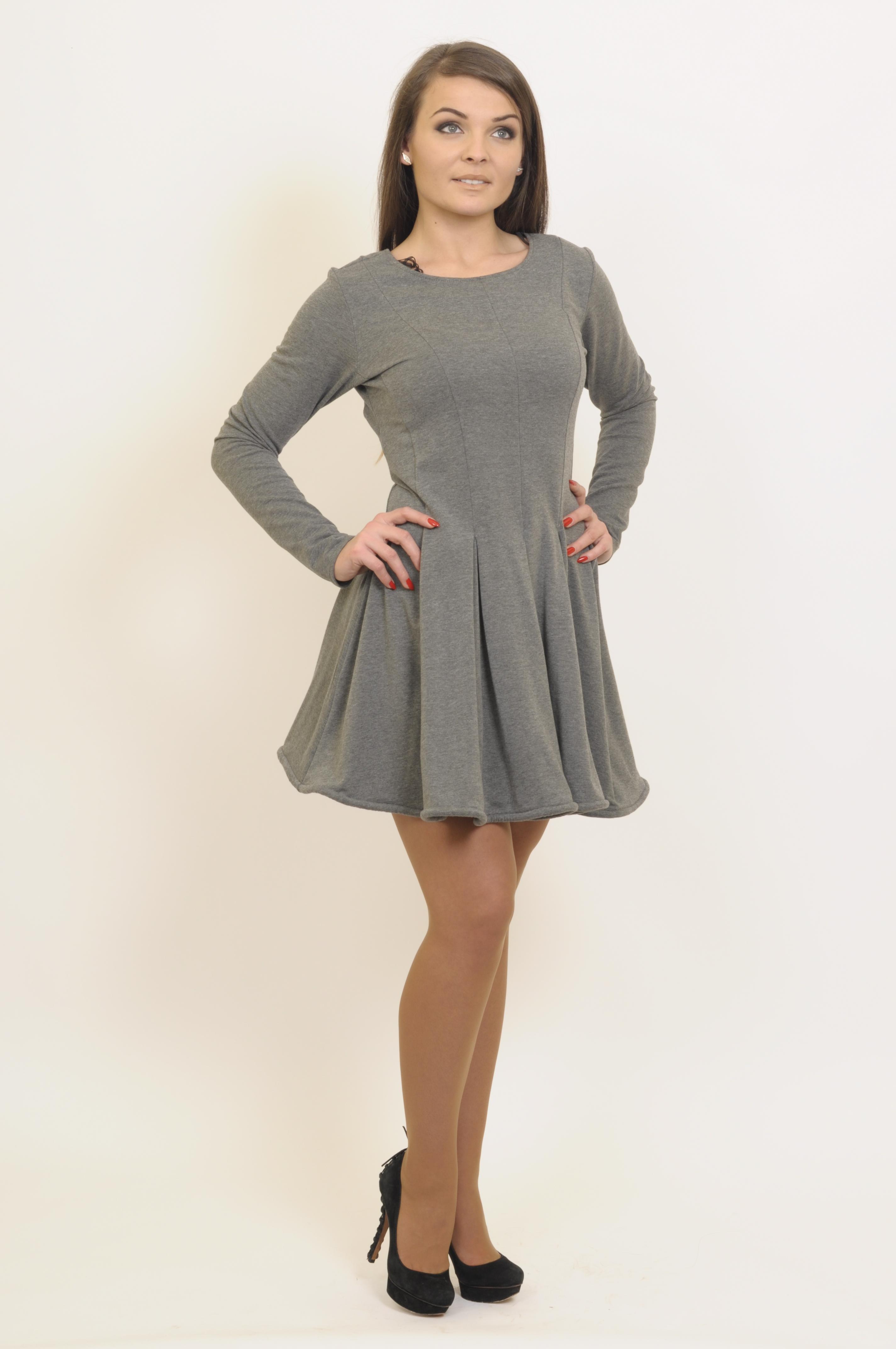 27f43f9d52 czarna sukienka marki By o la la    La Mode